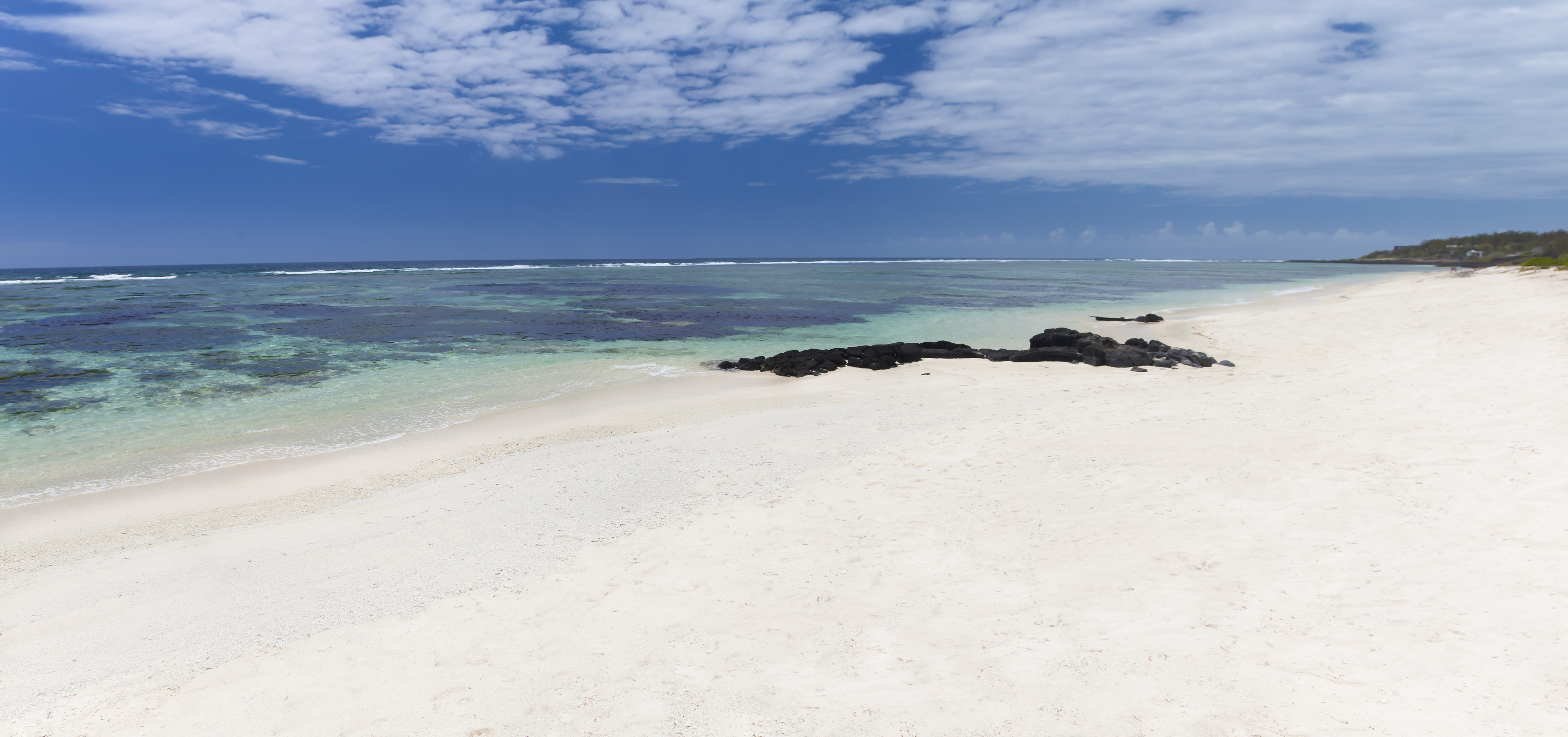 CRM-Beach_02