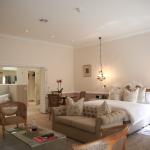 courtyard-suites-room-3